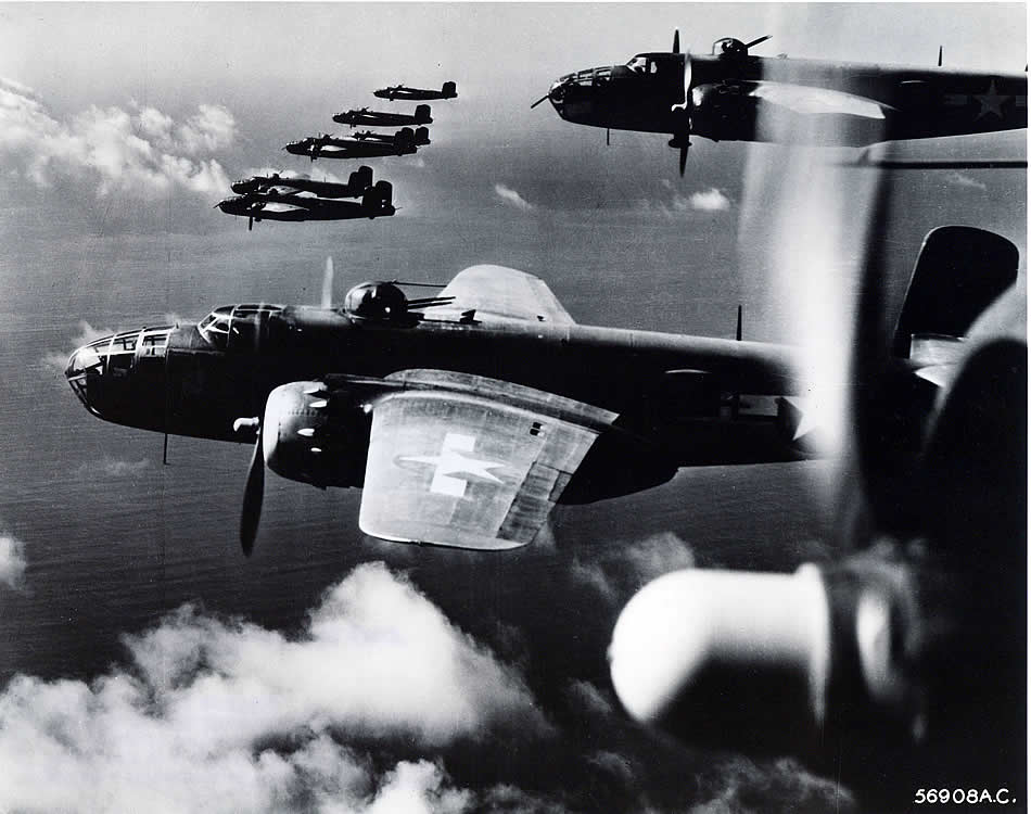 Aerial_view_of_B25_Mitchell_formation.jp