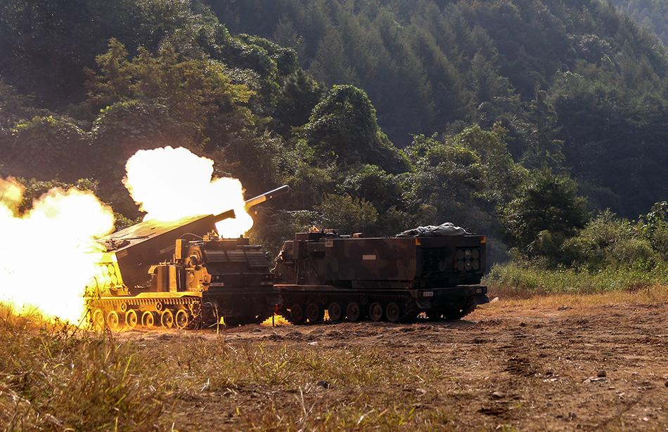 M270-multiple-launch-rocket-system-10-20